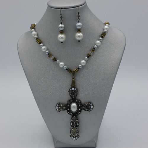 Cross My Pearls